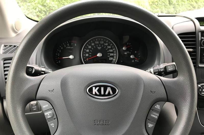 2012 Kia Sedona EX at in North Vancouver, British Columbia - 20 - w1024h768px