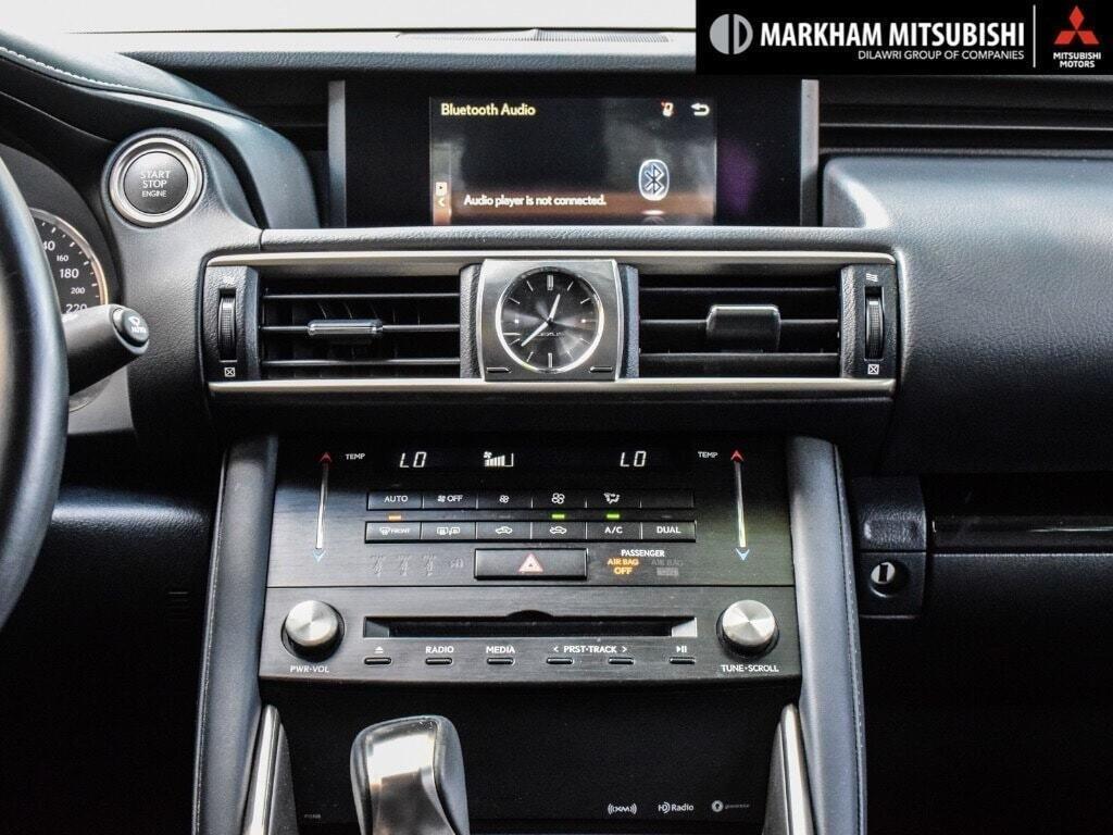 2017 Lexus IS 300 AWD in Markham, Ontario - 17 - w1024h768px