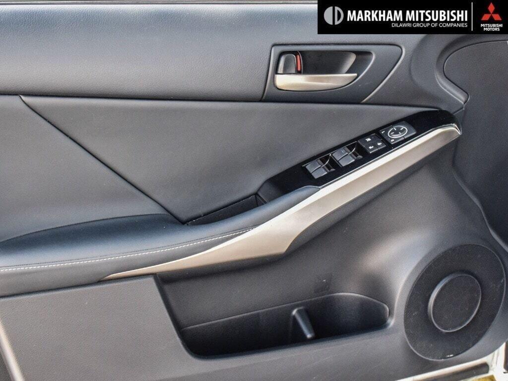 2017 Lexus IS 300 AWD in Markham, Ontario - 24 - w1024h768px