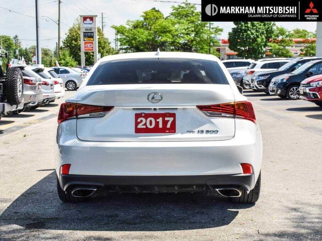 2017 Lexus IS 300 AWD in Markham, Ontario - 5 - w1024h768px
