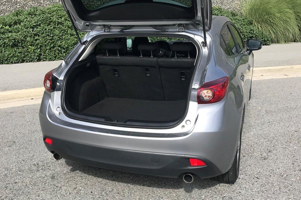 2015 Mazda Mazda3 Sport GS-SKY at in North Vancouver, British Columbia - 11 - w1024h768px