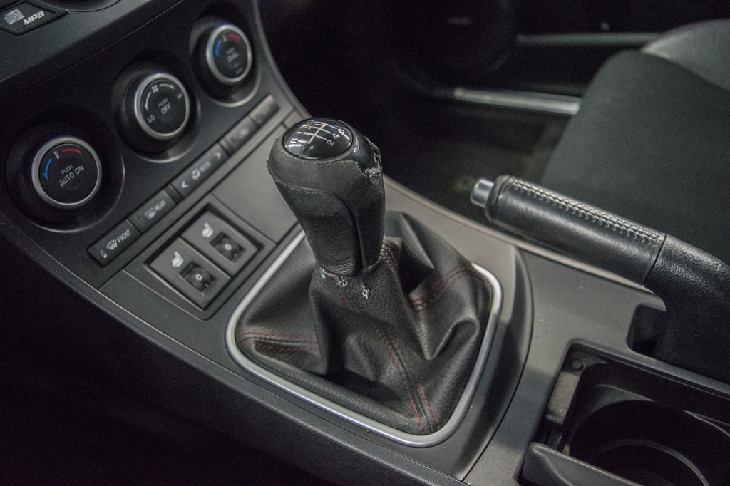 2012 Mazda Mazdaspeed3 ** ** CLIMATISEUR** in Dollard-des-Ormeaux, Quebec - 25 - w1024h768px