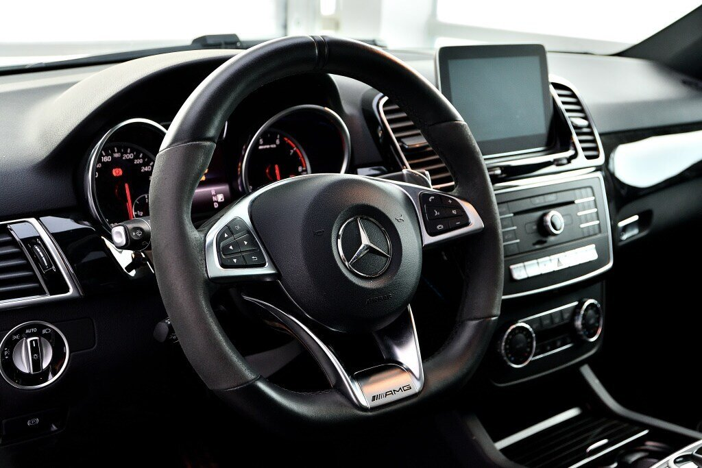 Mercedes-Benz GLE AMG GLE 43 2018 à St-Bruno, Québec - 12 - w1024h768px