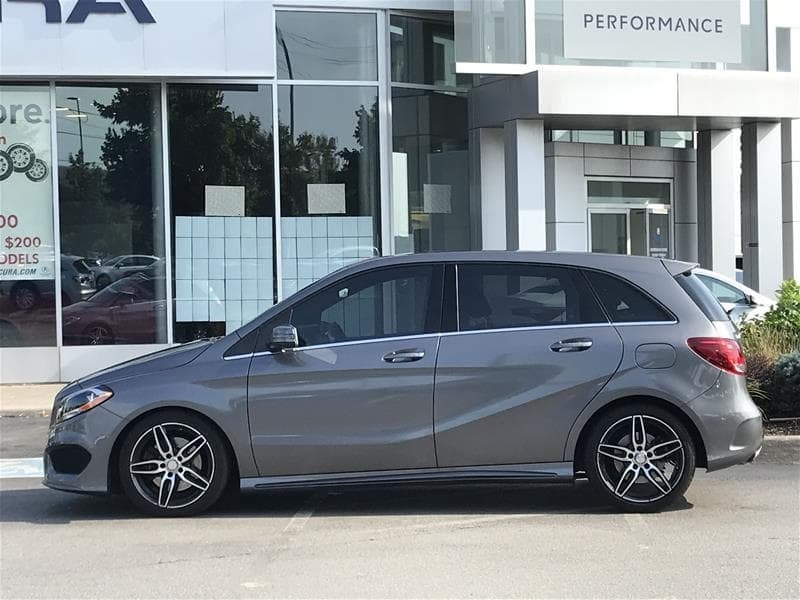 2017 Mercedes-Benz B250 4MATIC Sports Tourer in Markham, Ontario - 3 - w1024h768px