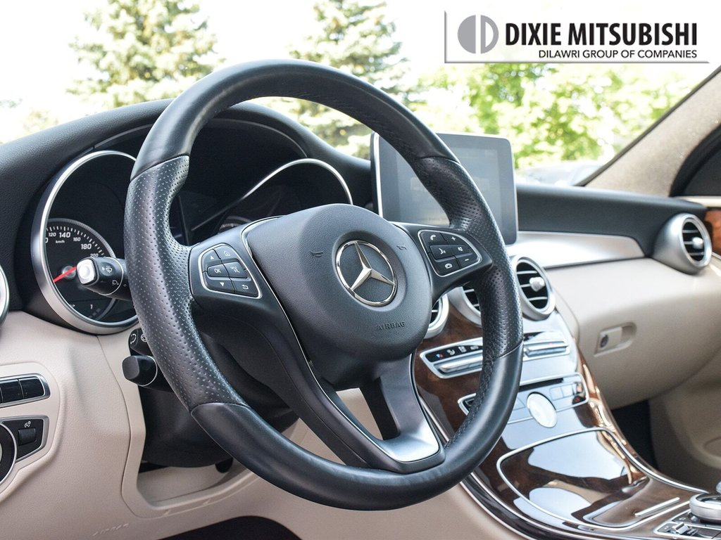 2016 Mercedes-Benz C300 4MATIC Sedan in Mississauga, Ontario - 12 - w1024h768px
