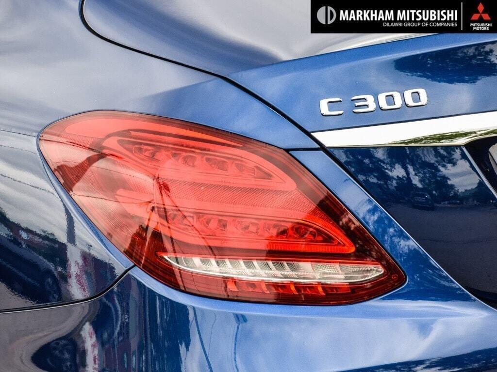 2017 Mercedes-Benz C300 4MATIC Sedan in Markham, Ontario - 6 - w1024h768px