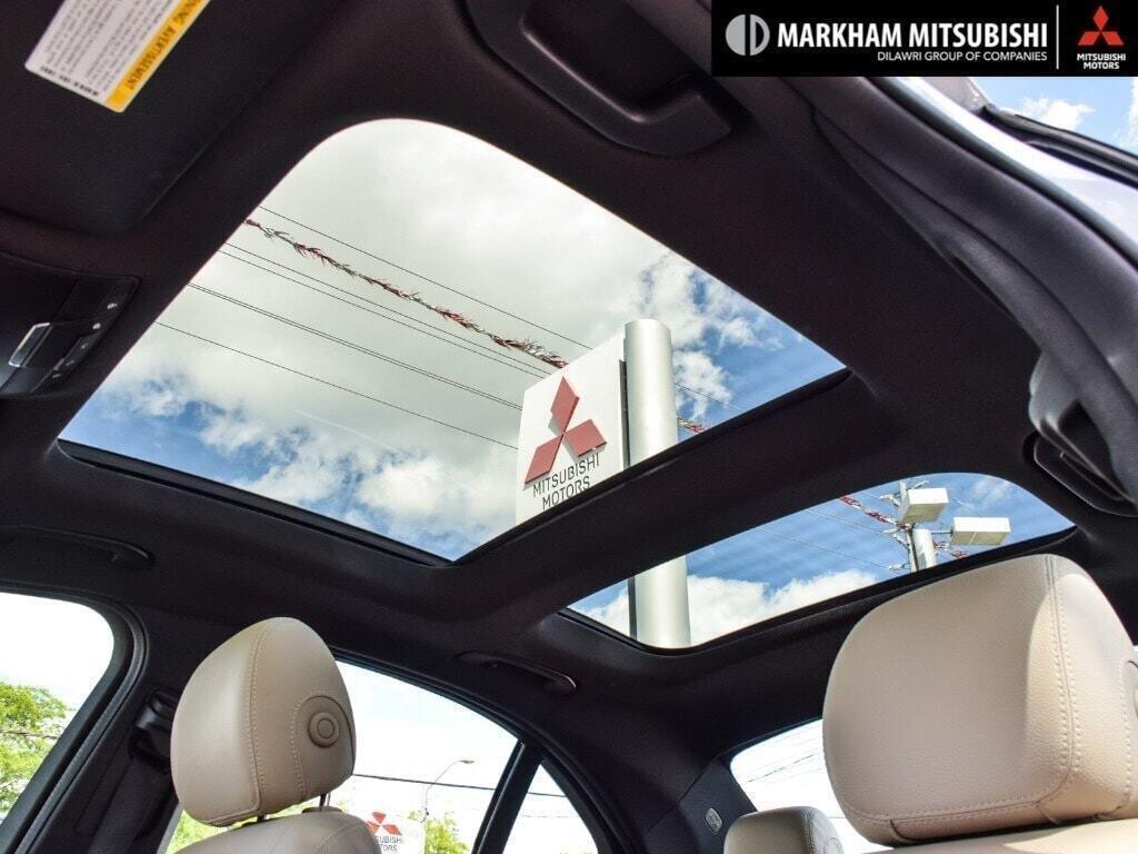 2017 Mercedes-Benz C300 4MATIC Sedan in Markham, Ontario - 24 - w1024h768px