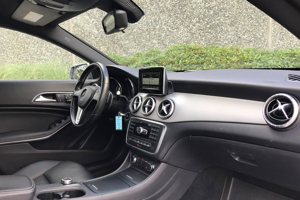 2014 Mercedes-Benz CLA250 Coupe in North Vancouver, British Columbia - 17 - w1024h768px