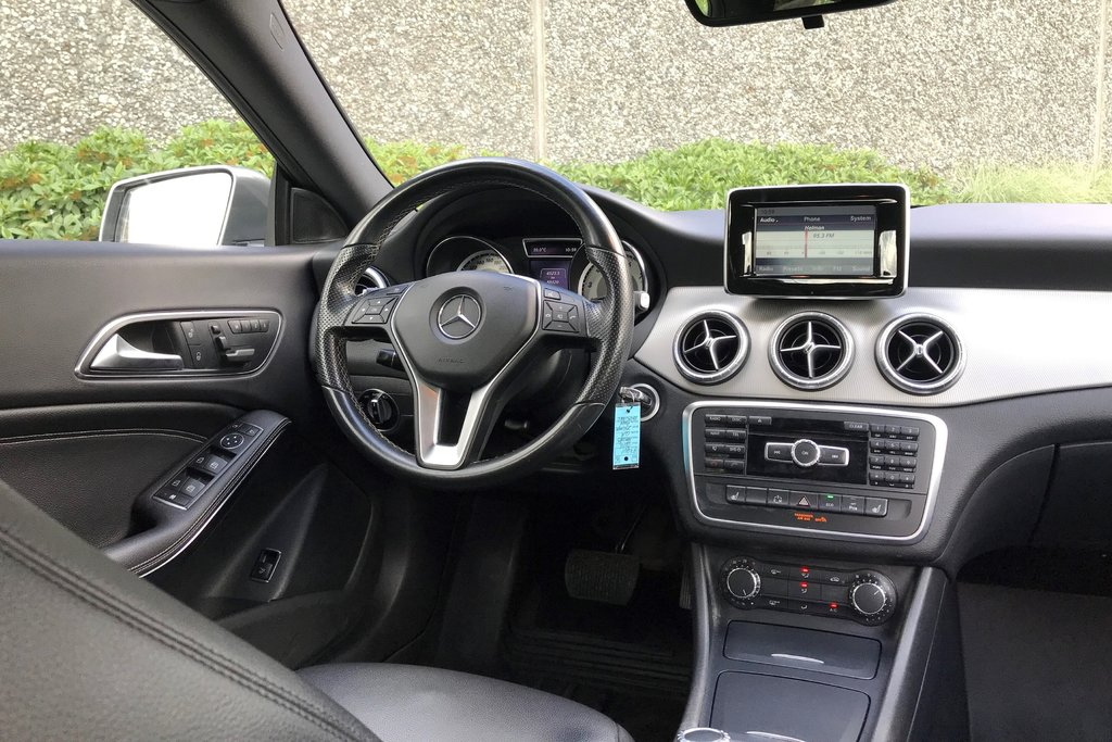 2014 Mercedes-Benz CLA250 Coupe in North Vancouver, British Columbia - 11 - w1024h768px