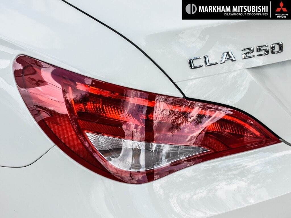 2014 Mercedes-Benz CLA250 4MATIC Coupe in Markham, Ontario - 6 - w1024h768px