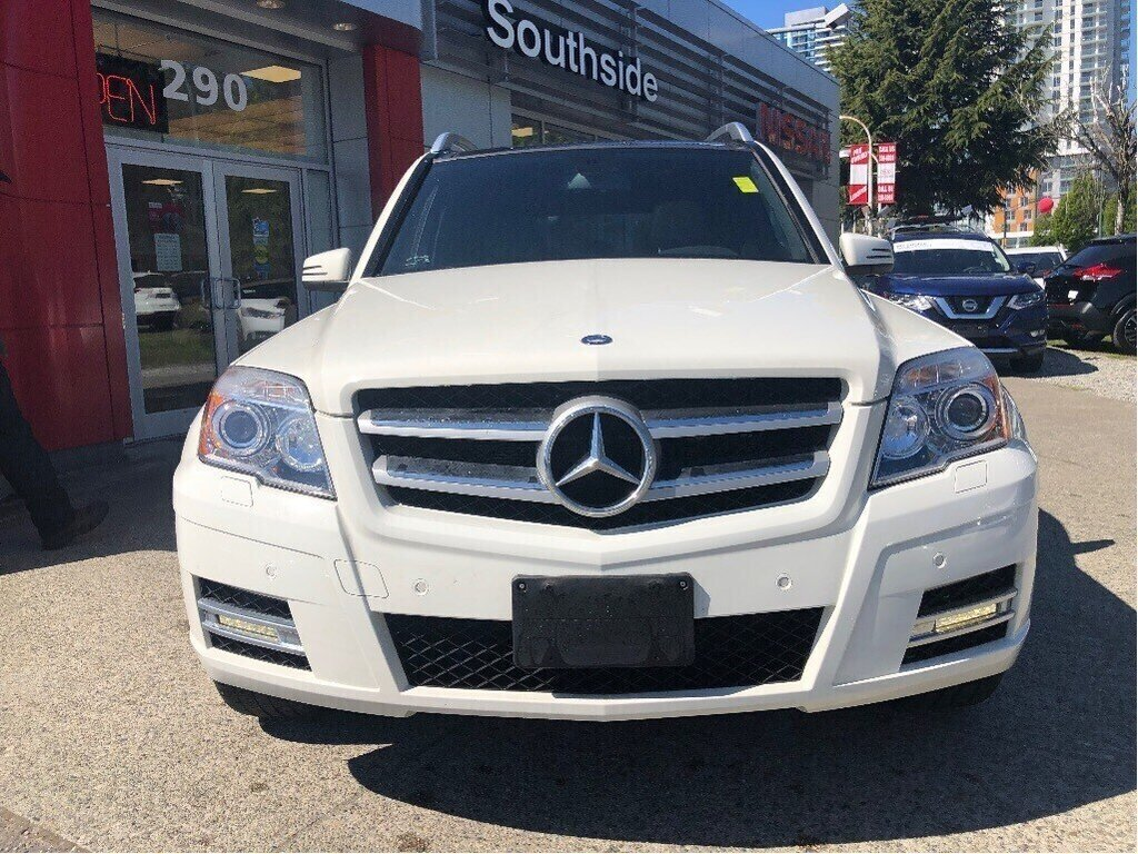 2011 Mercedes-Benz GLK350 4MATIC in Vancouver, British Columbia - 2 - w1024h768px