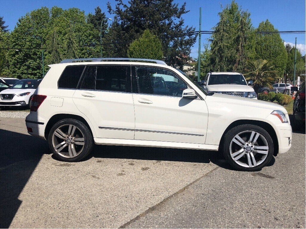 2011 Mercedes-Benz GLK350 4MATIC in Vancouver, British Columbia - 4 - w1024h768px