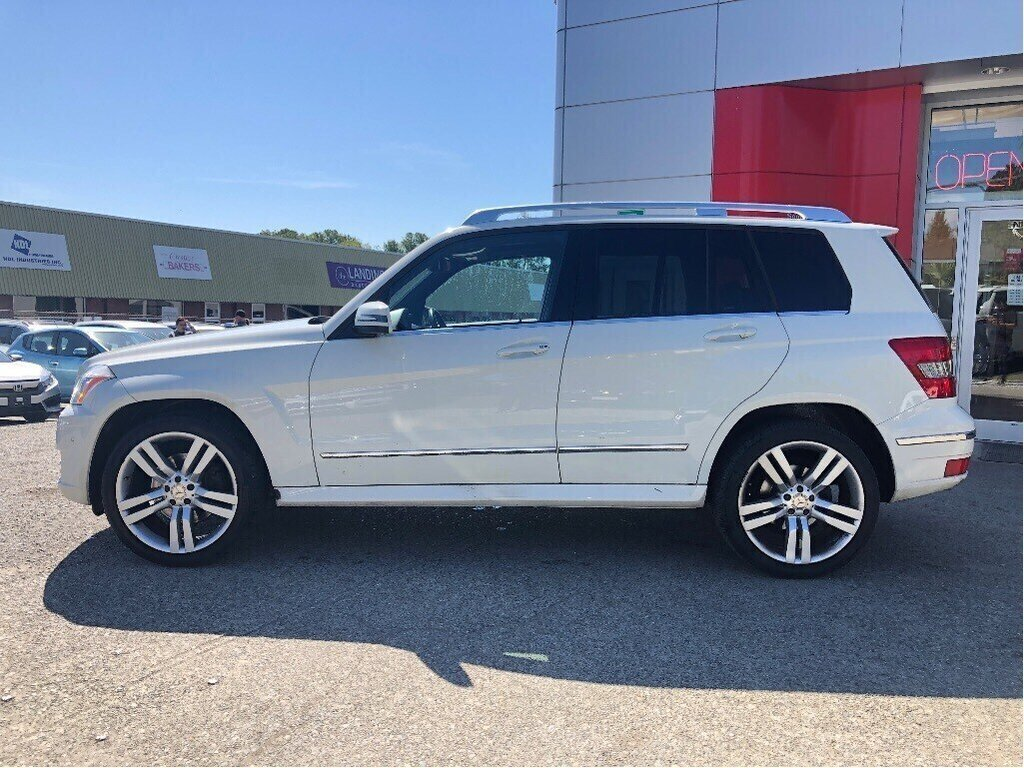 2011 Mercedes-Benz GLK350 4MATIC in Vancouver, British Columbia - 7 - w1024h768px