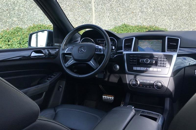 2015 Mercedes-Benz ML400 4MATIC in North Vancouver, British Columbia - 4 - w1024h768px