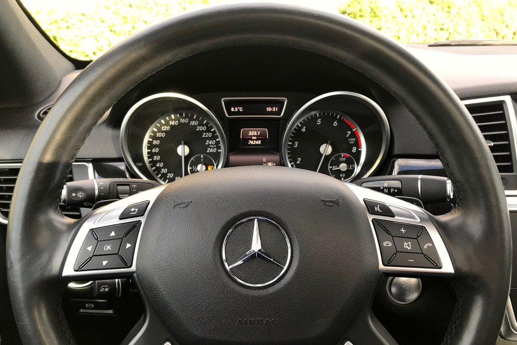 2015 Mercedes-Benz ML400 4MATIC in North Vancouver, British Columbia - 12 - w1024h768px