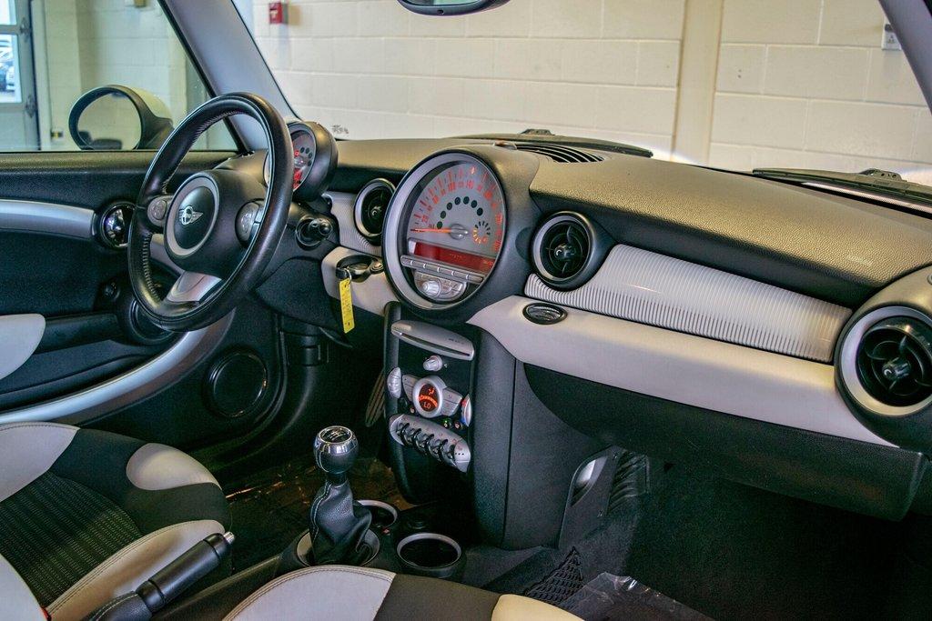 Subaru des Sources | 2010 MINI Cooper S Edition Camden