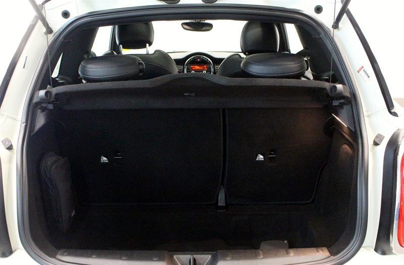 2016 MINI Cooper 3 Door in Regina, Saskatchewan - 15 - w1024h768px
