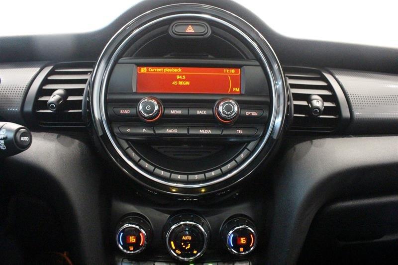 2016 MINI Cooper 3 Door in Regina, Saskatchewan - 6 - w1024h768px