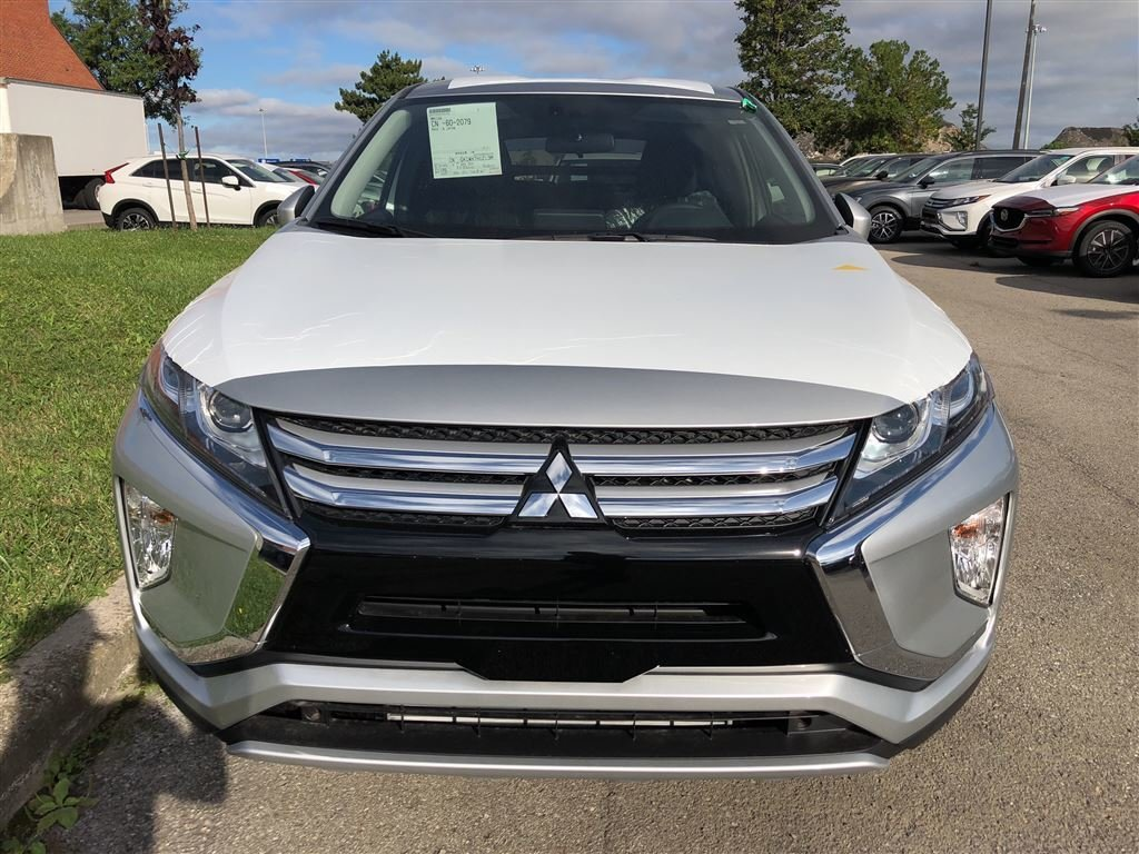 2019 Mitsubishi ECLIPSE CROSS SE S-AWC in Mississauga, Ontario - 2 - w1024h768px