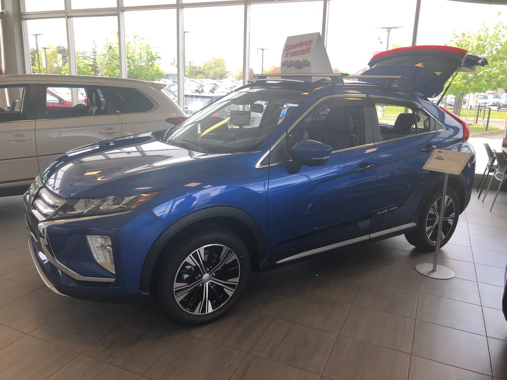 2019 Mitsubishi ECLIPSE CROSS GT S-AWC (2) in Mississauga, Ontario - 6 - w1024h768px