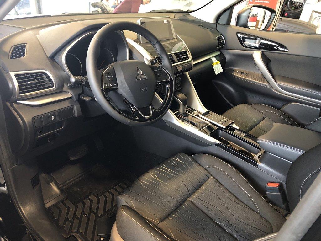 2019 Mitsubishi ECLIPSE CROSS SE S-AWC (2) in Markham, Ontario - 2 - w1024h768px