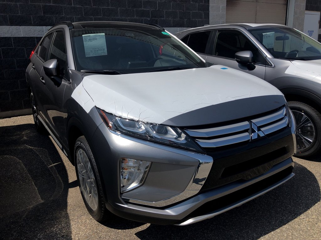 2020 Mitsubishi ECLIPSE CROSS GT S-AWC in Mississauga, Ontario - 4 - w1024h768px