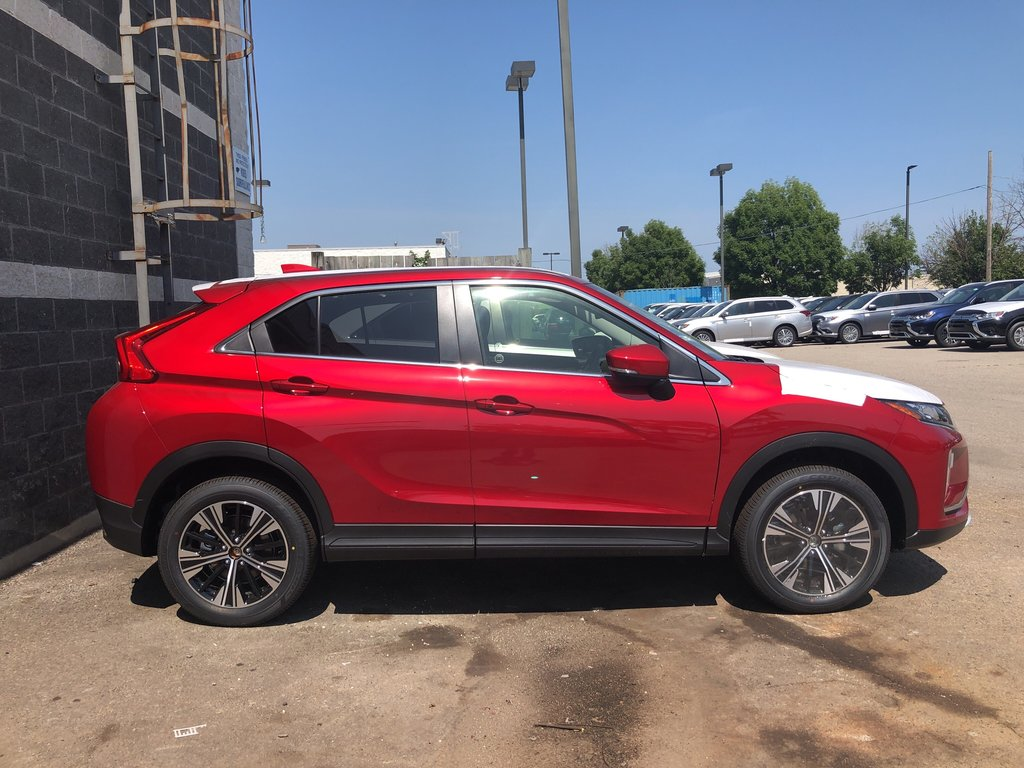2020 Mitsubishi ECLIPSE CROSS SE S-AWC in Mississauga, Ontario - 4 - w1024h768px