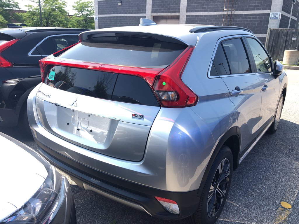 2020 Mitsubishi ECLIPSE CROSS GT S-AWC in Mississauga, Ontario - 3 - w1024h768px