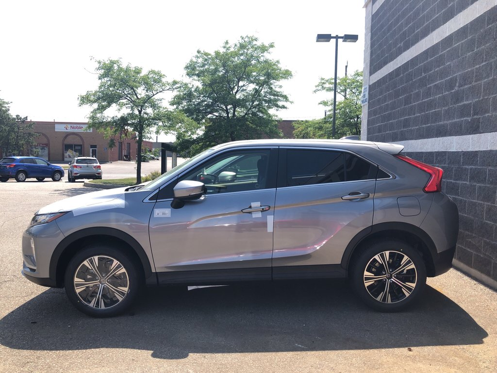 2020 Mitsubishi ECLIPSE CROSS SE S-AWC in Mississauga, Ontario - 2 - w1024h768px