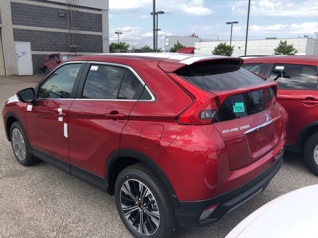 2020 Mitsubishi ECLIPSE CROSS ES S-AWC in Mississauga, Ontario - 3 - w1024h768px