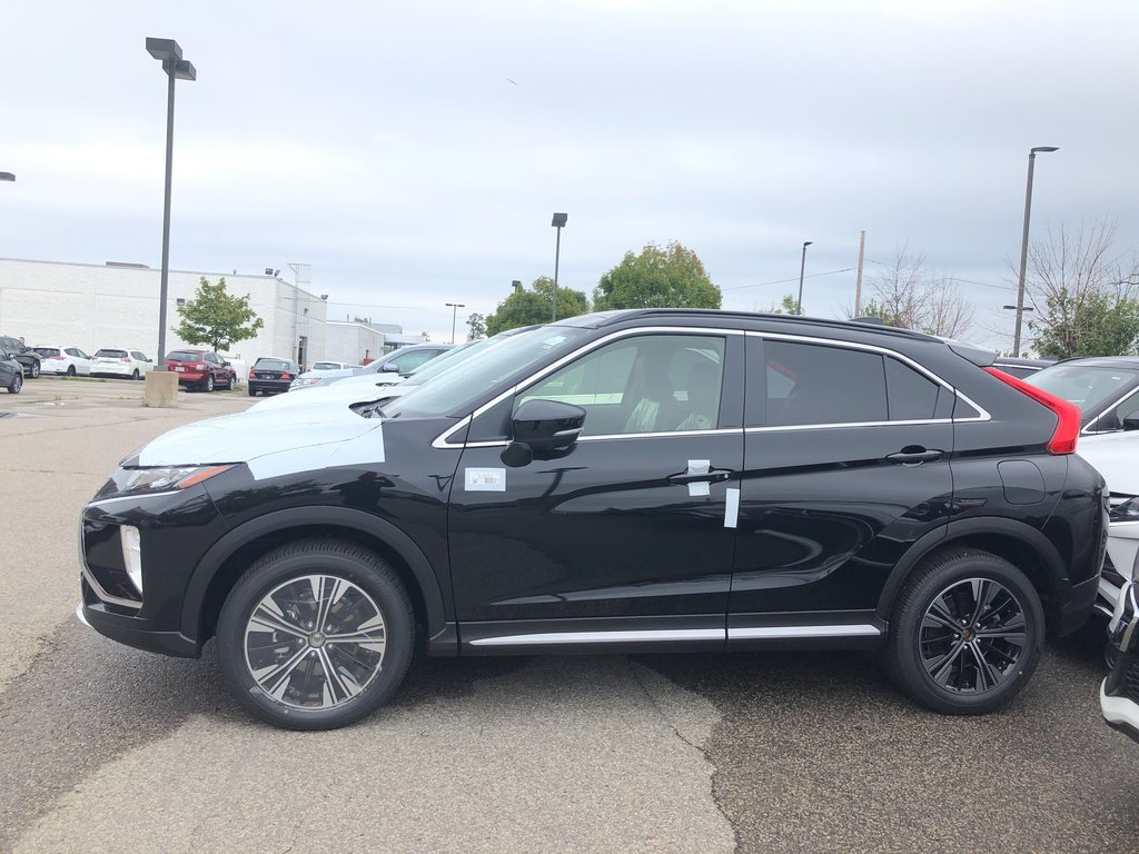 2020 Mitsubishi ECLIPSE CROSS GT S-AWC in Mississauga, Ontario - 2 - w1024h768px