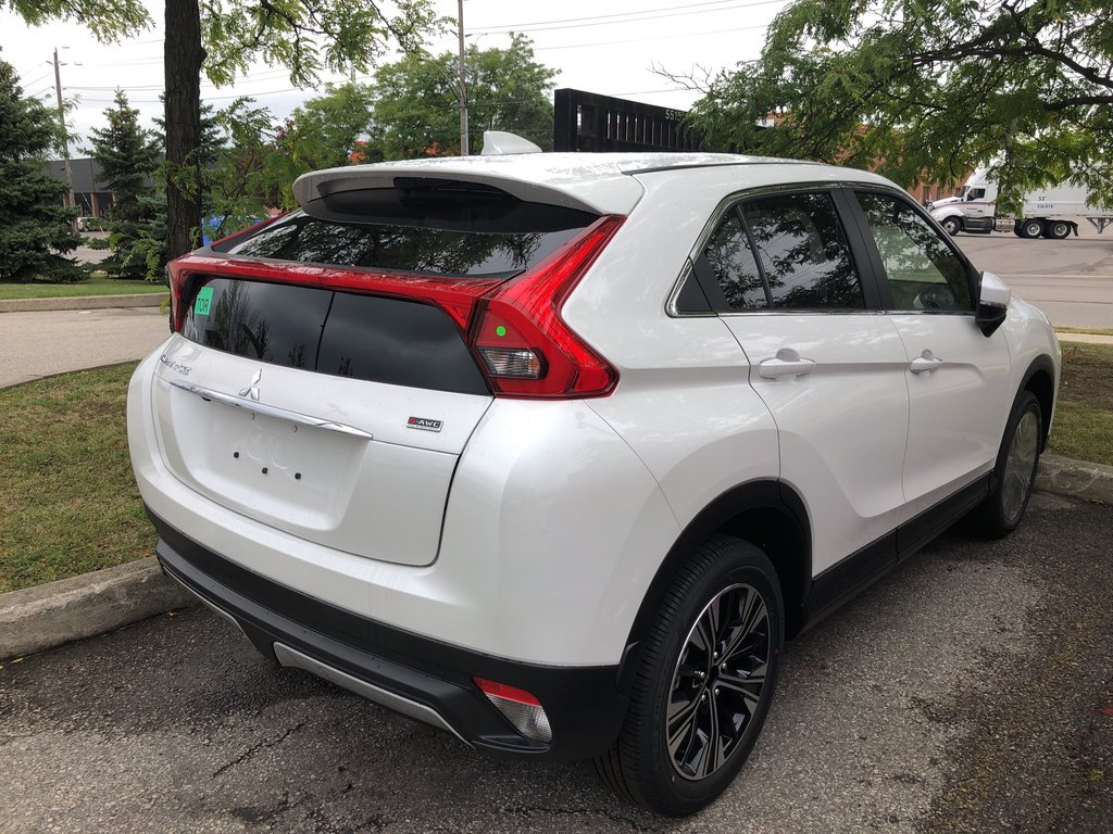 2020 Mitsubishi ECLIPSE CROSS ES S-AWC in Mississauga, Ontario - 4 - w1024h768px