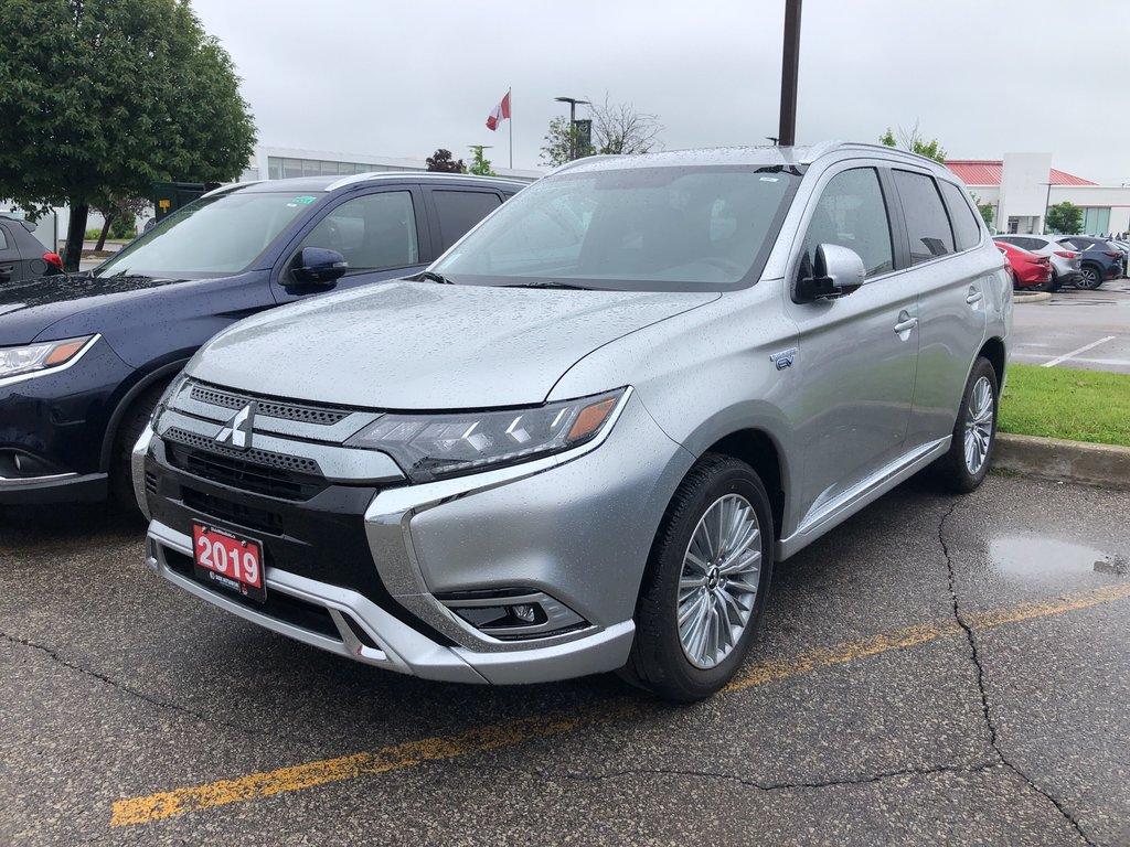 2019 Mitsubishi OUTLANDER PHEV SE S-AWC in Mississauga, Ontario - 1 - w1024h768px