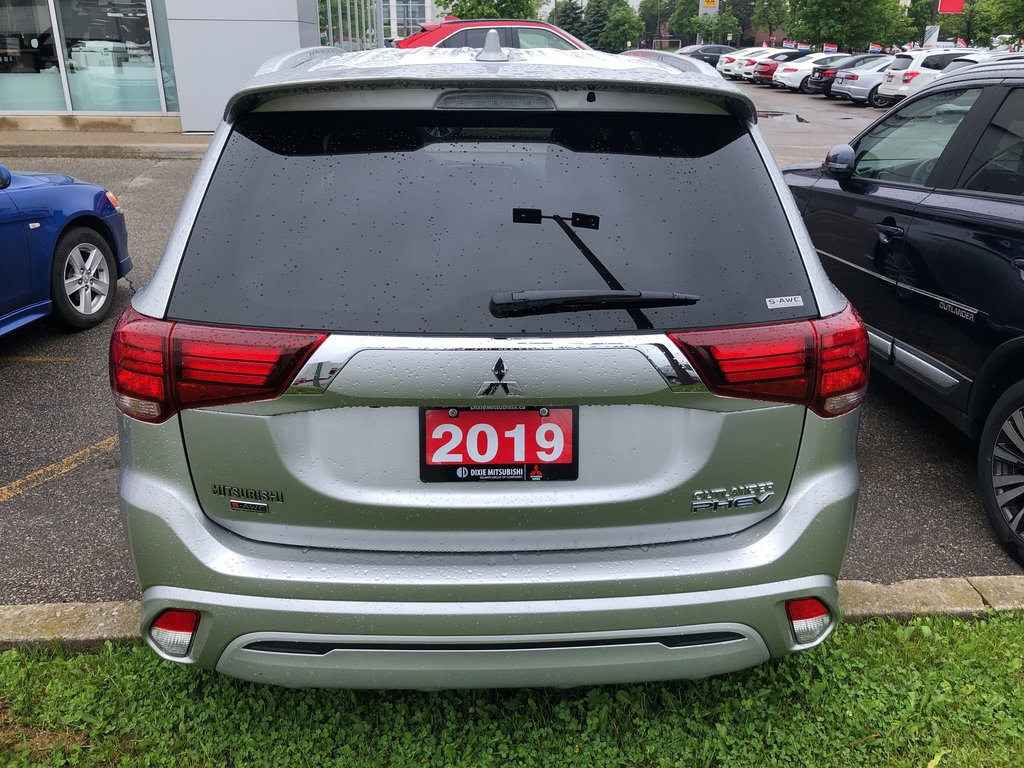 2019 Mitsubishi OUTLANDER PHEV SE S-AWC in Mississauga, Ontario - 8 - w1024h768px