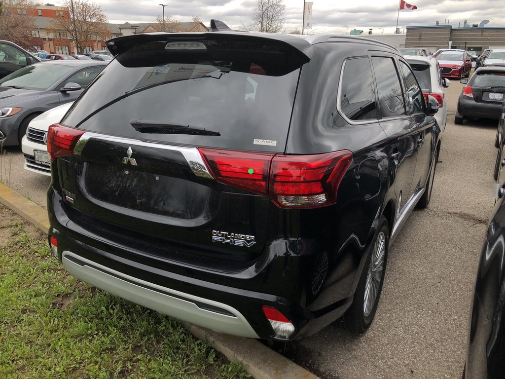 2019 Mitsubishi OUTLANDER PHEV GT S-AWC in Mississauga, Ontario - 9 - w1024h768px