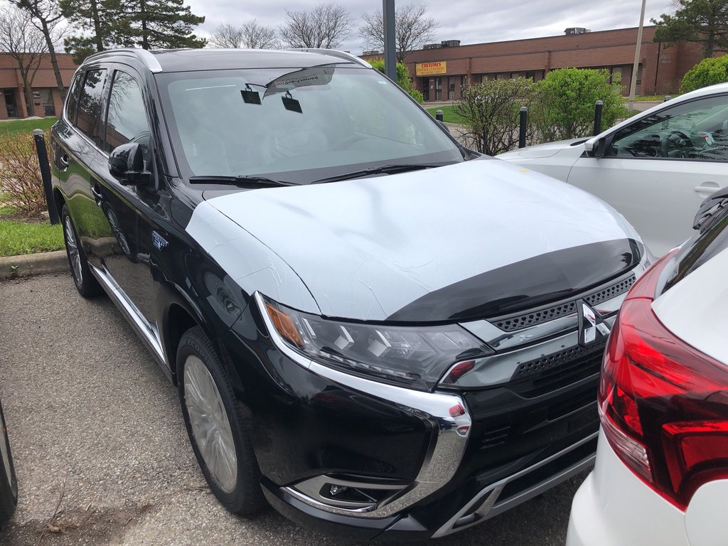 2019 Mitsubishi OUTLANDER PHEV GT S-AWC in Mississauga, Ontario - 10 - w1024h768px