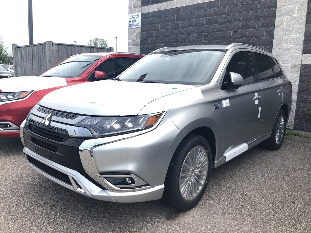 2019 Mitsubishi OUTLANDER PHEV GT S-AWC in Mississauga, Ontario - 1 - w1024h768px
