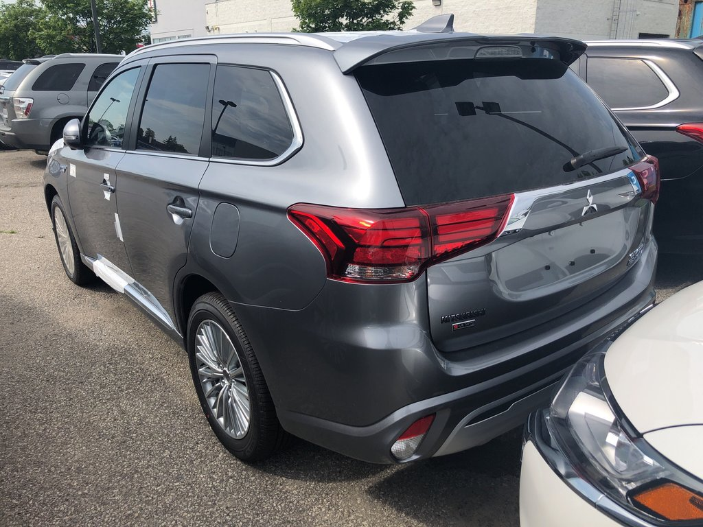2019 Mitsubishi OUTLANDER PHEV GT S-AWC in Mississauga, Ontario - 2 - w1024h768px