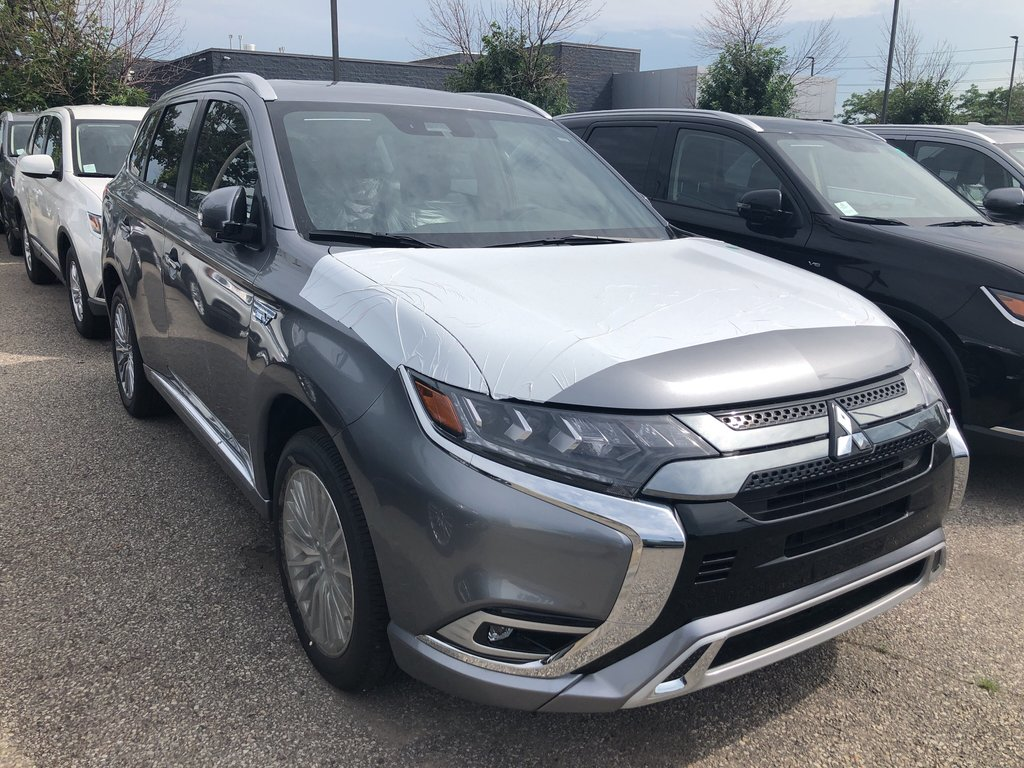 2019 Mitsubishi OUTLANDER PHEV GT S-AWC in Mississauga, Ontario - 4 - w1024h768px