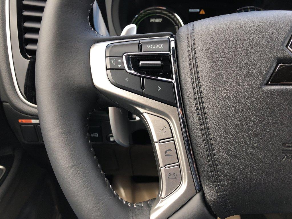 2019 Mitsubishi OUTLANDER PHEV SE S-AWC in Markham, Ontario - 9 - w1024h768px
