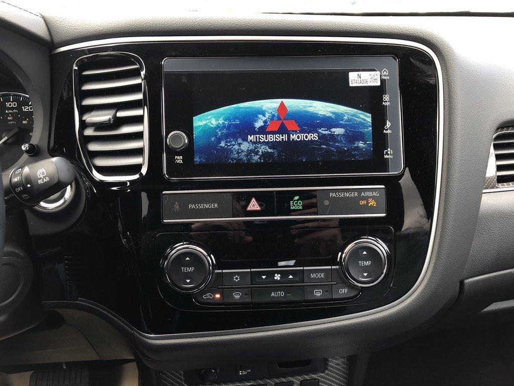 2019 Mitsubishi OUTLANDER PHEV SE S-AWC in Markham, Ontario - 12 - w1024h768px