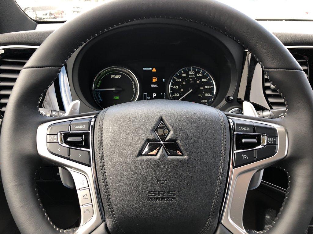 2019 Mitsubishi OUTLANDER PHEV SE S-AWC in Markham, Ontario - 8 - w1024h768px