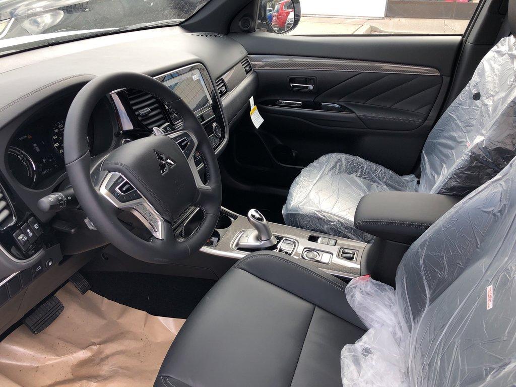 2019 Mitsubishi OUTLANDER PHEV SE S-AWC in Markham, Ontario - 7 - w1024h768px