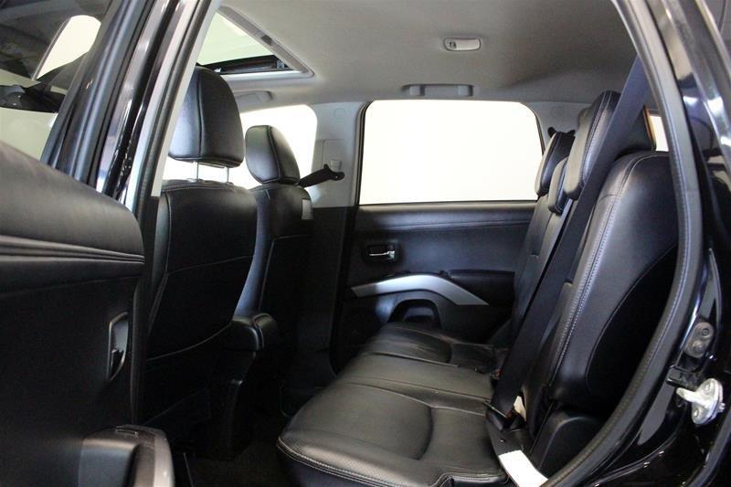 2010 Mitsubishi Outlander XLS 4WD Sportronic at in Regina, Saskatchewan - 11 - w1024h768px