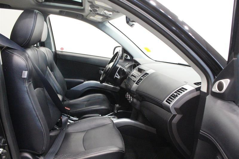 2010 Mitsubishi Outlander XLS 4WD Sportronic at in Regina, Saskatchewan - 14 - w1024h768px