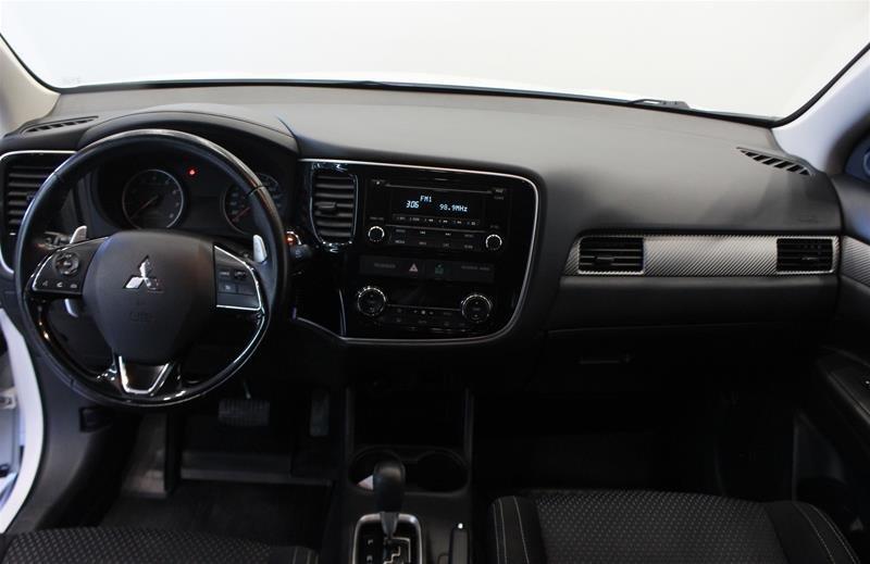 2016 Mitsubishi Outlander SE AWC in Regina, Saskatchewan - 13 - w1024h768px