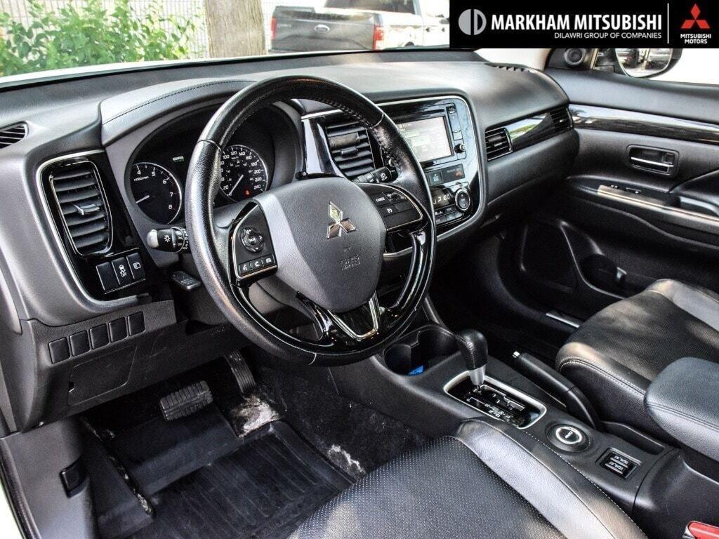 2016 Mitsubishi Outlander ES AWC in Markham, Ontario - 10 - w1024h768px