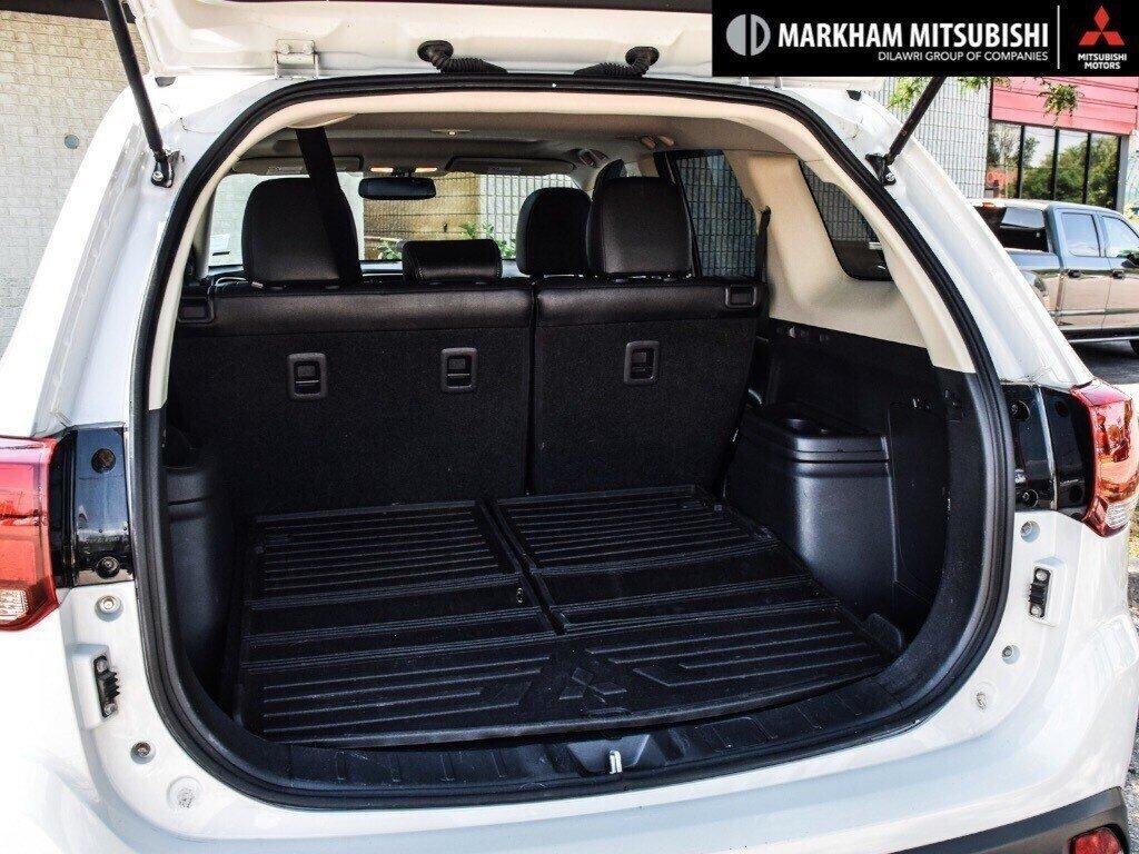 2016 Mitsubishi Outlander ES AWC in Markham, Ontario - 25 - w1024h768px
