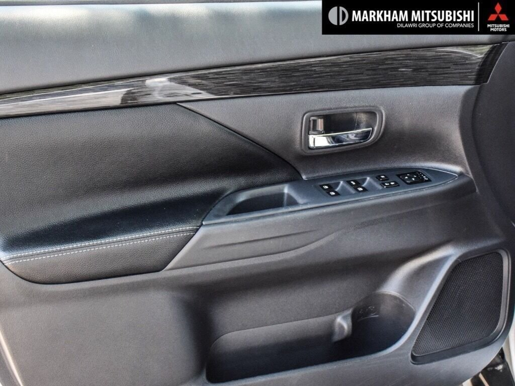2016 Mitsubishi Outlander ES AWC in Markham, Ontario - 22 - w1024h768px
