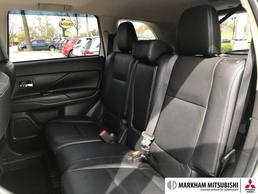 2017 Mitsubishi Outlander GT S-AWC in Markham, Ontario - 18 - w1024h768px